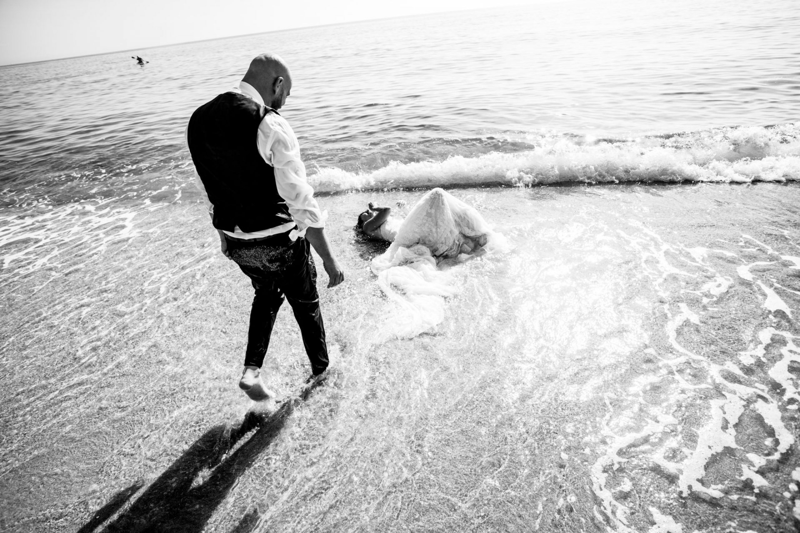LuzdeBarcelona-postboda-playa-boda-fotografo-cerdanyola-12