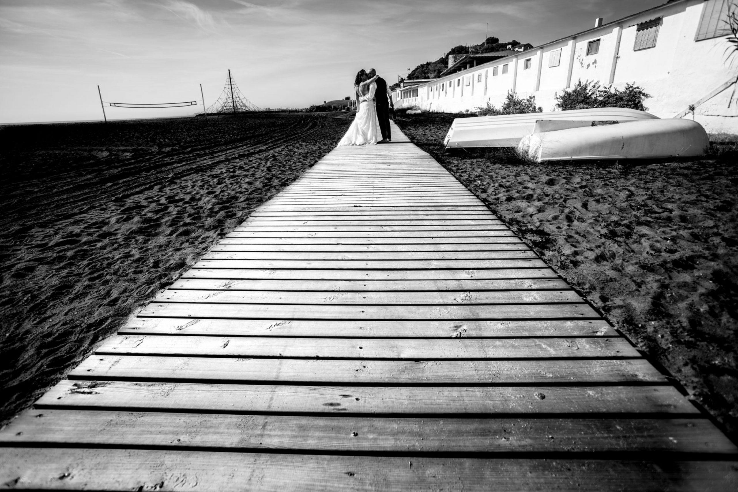 LuzdeBarcelona-postboda-playa-boda-fotografo-cerdanyola-4